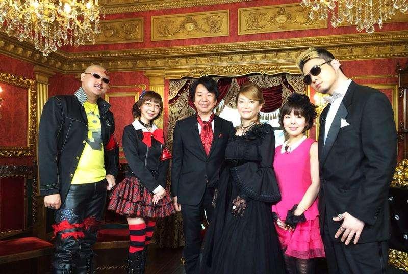 Cast of the Persora Awards. From left to right: Mafia Kajita, Tomomi Isomura, Shoji Meguro, Yumi Kawamura, Shihoko Hitata, Lotus Juice.